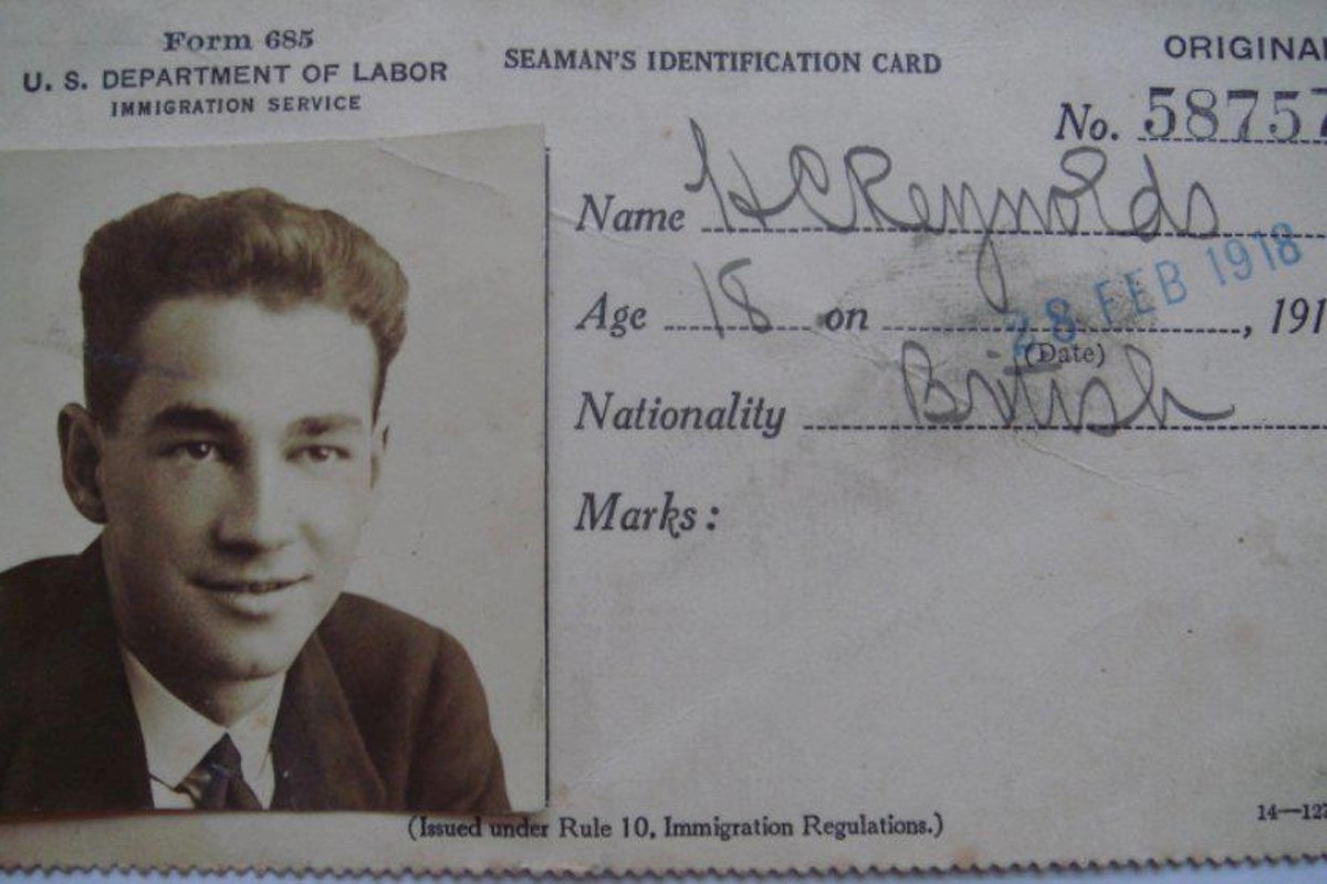 This image of a British seaman named H.C. Reynolds bears a strong resemblance to Somerton man