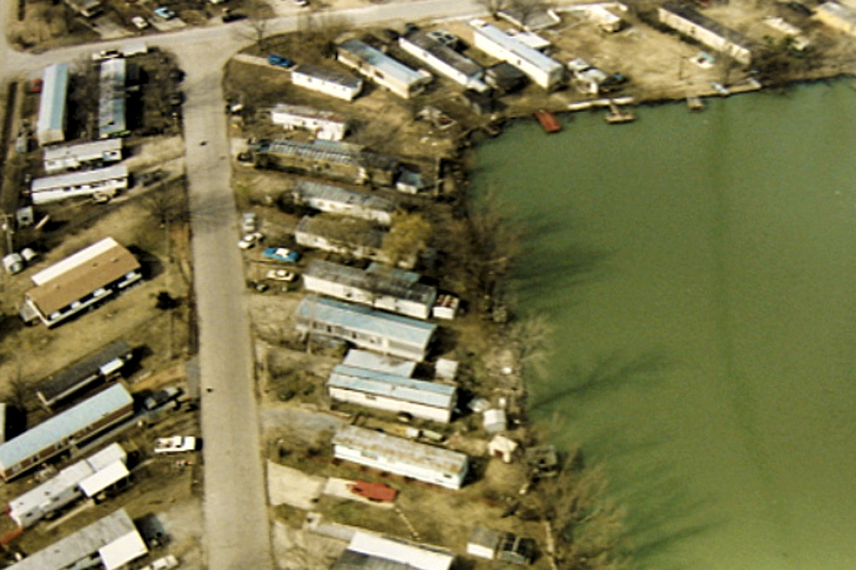 The knife was found in the large pond backing off the trailer park Jason Baldwin lived in at the time of the murders