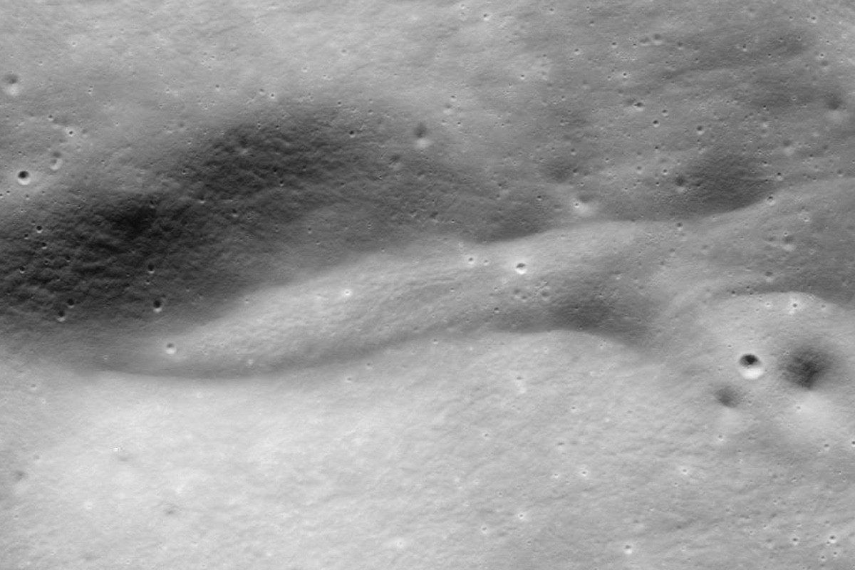 A better quality image of the anomaly show it to be a Martian hill