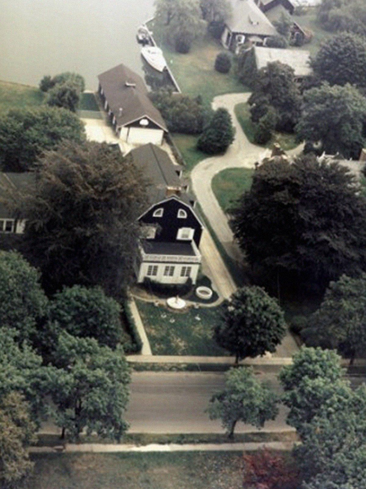 The Defeo Family Massacre: Amityville Horrors