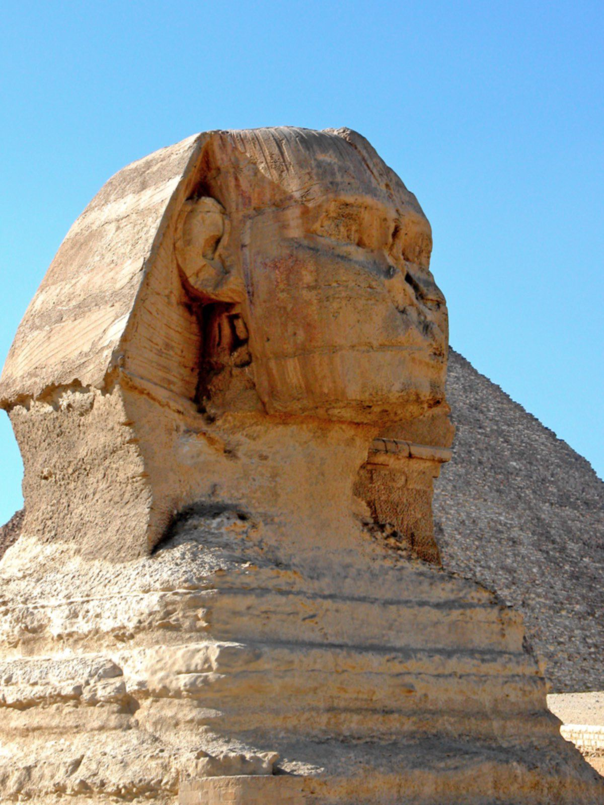 Sphinx dating controversy