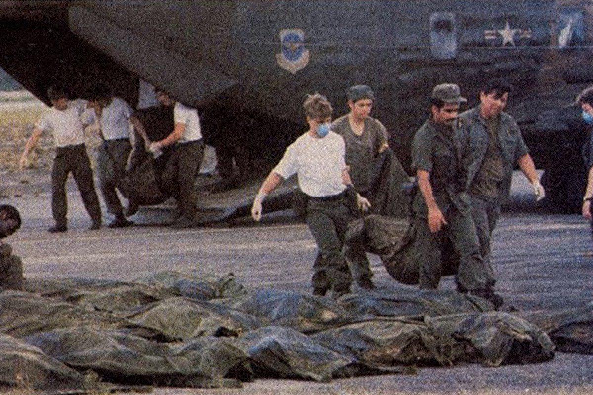 US troops evacuate the bodies (credit: Jonestown institute)