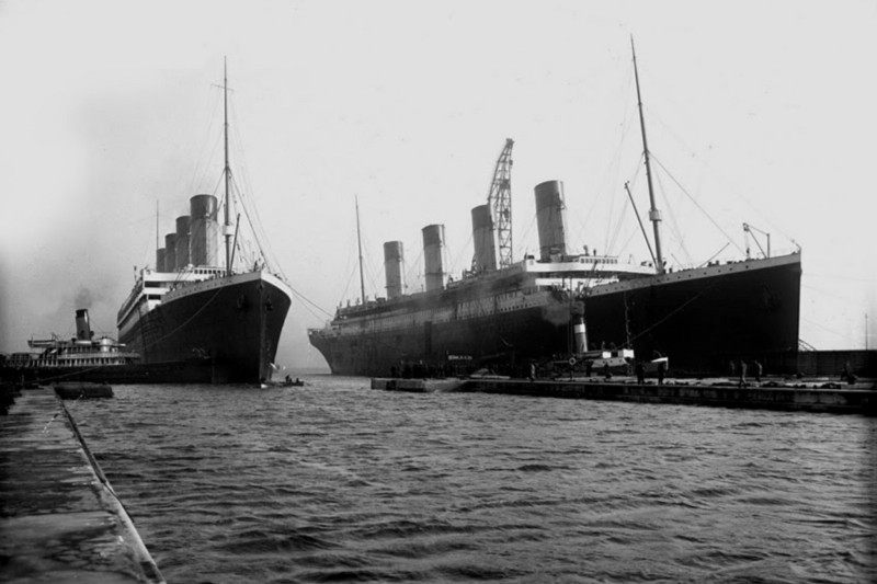 [Image: the-titanic-and-olympic.jpg]